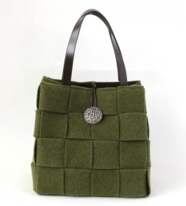 【Sold】アルマトヌッティ Wool Felt Bag With Button Oliva